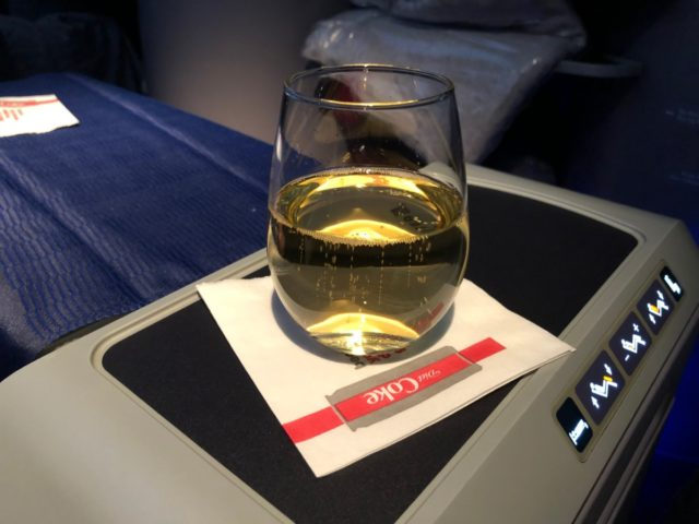 champagne, united airlines