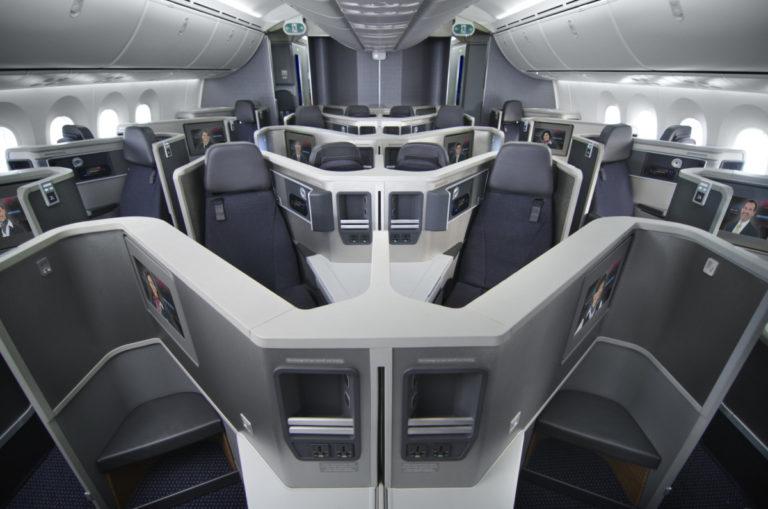 Dreamliner American Airlines ingezet tussen Schiphol & Philadelphia