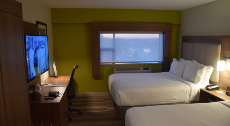 Review: Holiday Inn Express Vancouver Airport - Richmond