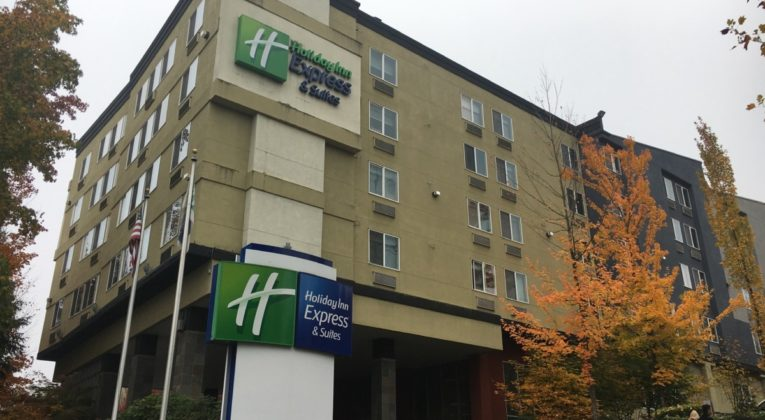 Review - Holiday Inn Express & Suites Seattle-Sea-Tac Airport