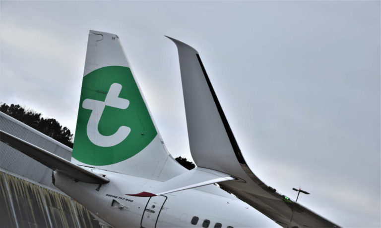 Deze Boeing 737-800 van Transavia werd voorzien van de nieuwe winglets (Bron: Transavia/Fokker)
