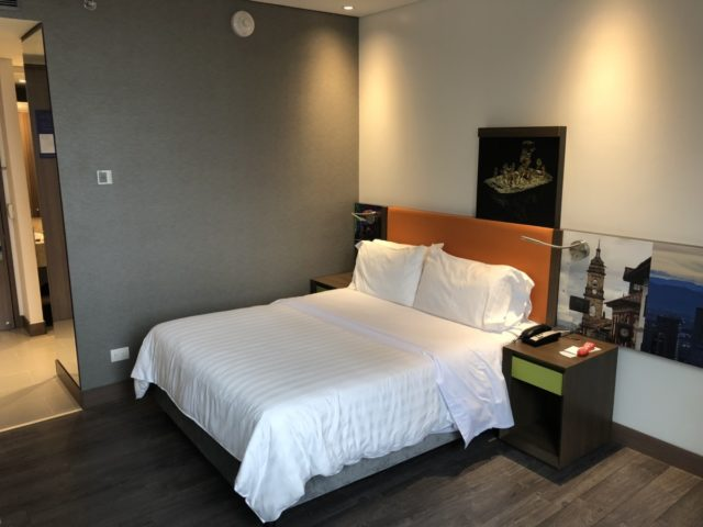 queen bed room, Hampton