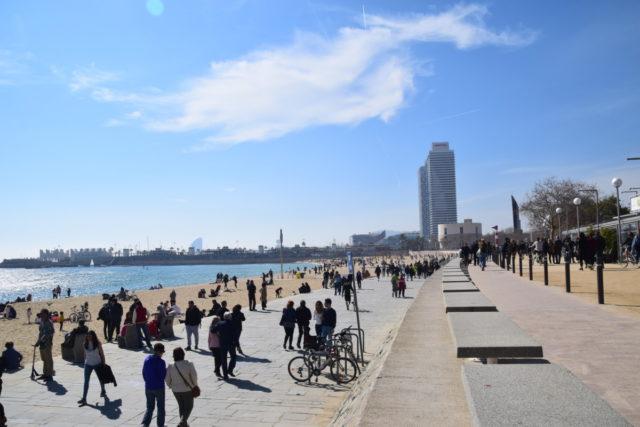 Op de stranden van Barcelona is altijd wat te doen