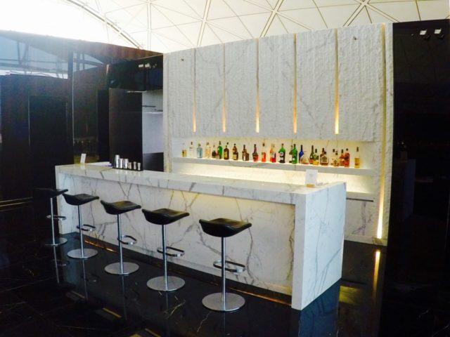 bar, the wing, first class, lounge, Hong Kong