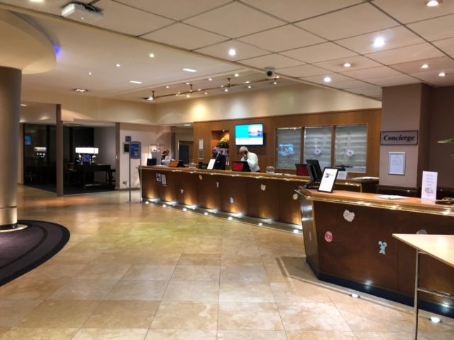lobby, receptie, hilton, manchester, airport