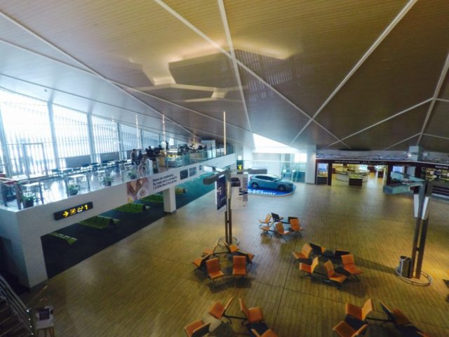 royal Brunei's sky lounge, bandar seri begawan