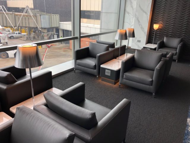 united, polaris, lounge