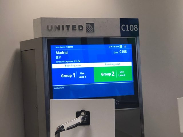 united, newark, boarding