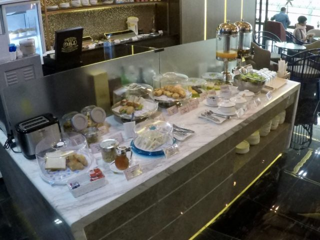 china airlines, dynasty lounge, buffet