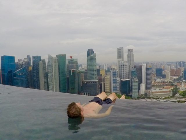 marina bay sands, infinity pool Singapore