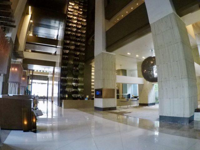 millennium hilton bangkok, lobby