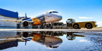 KLM toont interesse in Embraer 195-E2 tijdens Paris Air Show