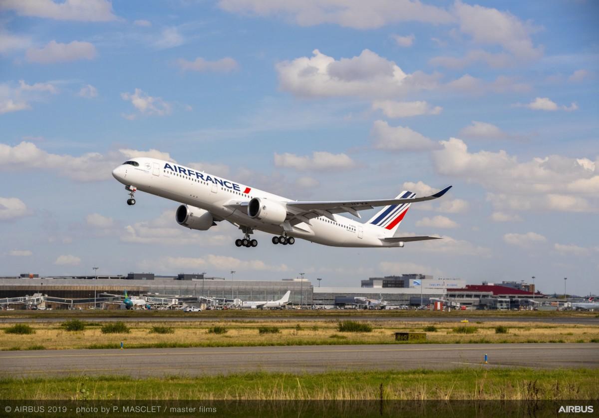 Airbus A350-900 van Air France stijgt op (Bron: Airbus)