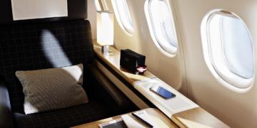 De nieuwe First Class cabine in de SWISS Airbus A340 (Bron: SWISS)