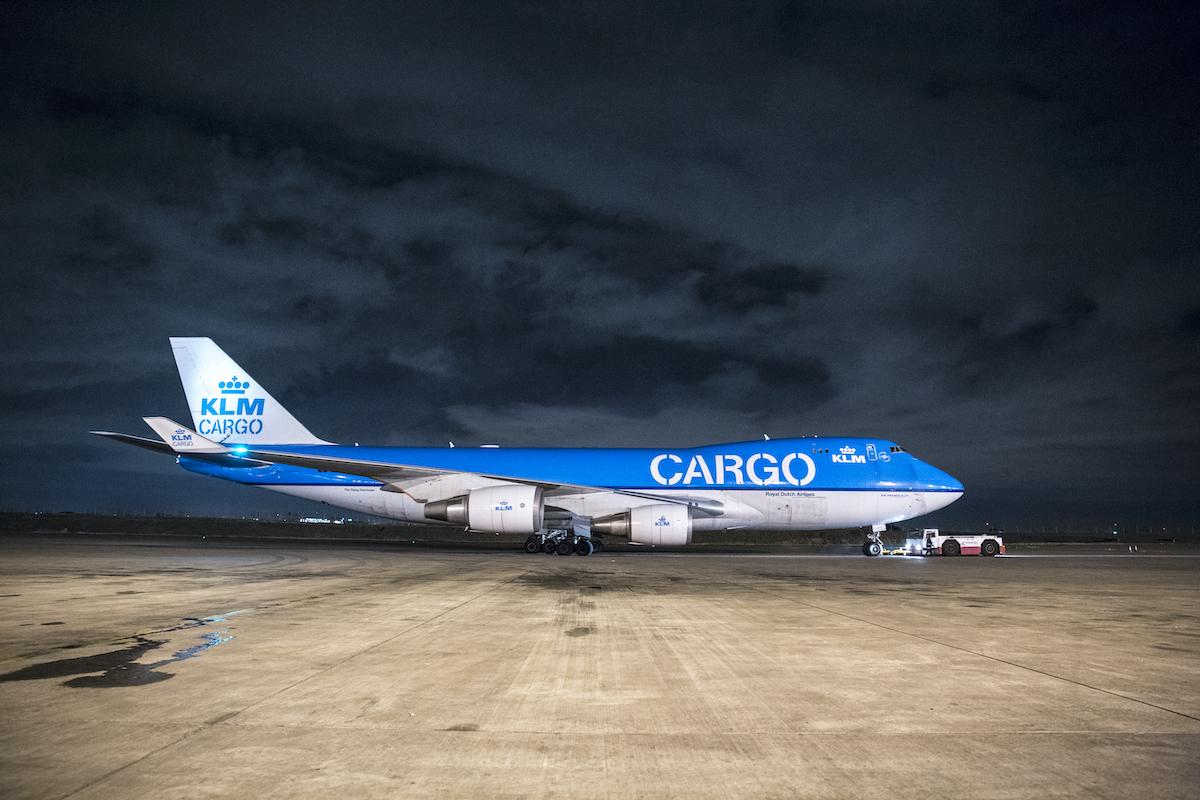 Boeing 747 vrachtvliegtuig van KLM Cargo (gevuld met rozen) verlaat de luchthaven van Nairobi (Bron: KLM)