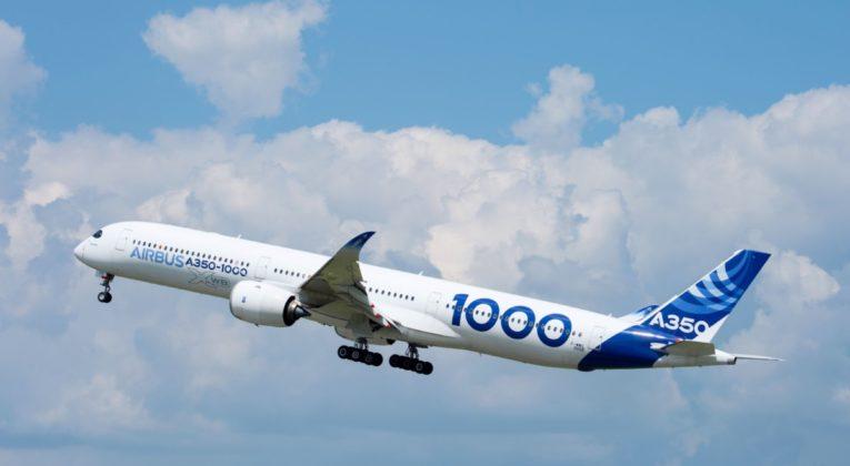 Eerste zelfvliegende A350-1000 stijgt op (Bron: Airbus)