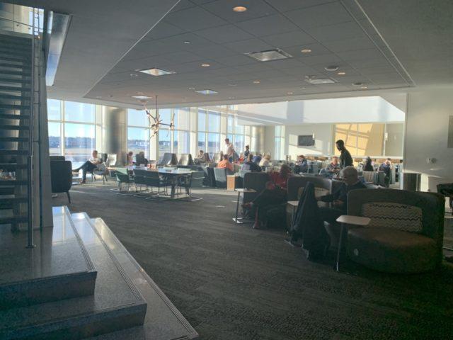 Review Delta Sky Lounge Atlanta - Concourse F Mezzanine Level