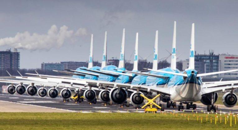 Geparkeerde vliegtuigen op Aalsmeerbaan worden verwijderd