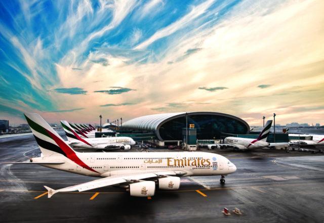 Airbus A380 van Emirates taxiet op de luchthaven van Dubai (Bron: Emirates)