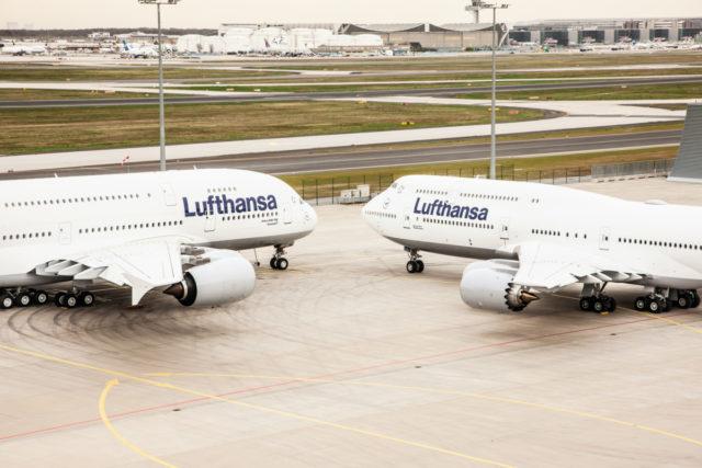 Boeing 747-800 en Airbus A380 op de luchthaven van Frankfurt (Bron: Lufthansa)