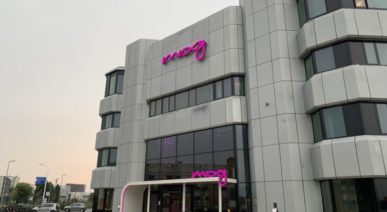 Review: Moxy Amsterdam Schiphol Airport