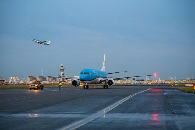 Boeing 737 (PH-BCL) van KLM komt aan op Amsterdam Airport Schiphol (Bron: KLM)