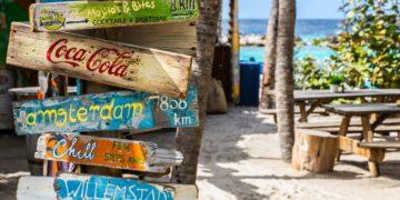 Mambo Beach Boulevard, Willemstad, Curaçao (Bron: Unsplash / Emiel Molenaar)