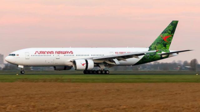 Stijging coronabesmetting zorgt voor sluiting luchtruim Suriname